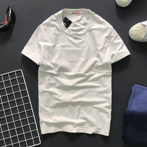 Sỉ sll áo thun nam cổ tròn với biểu tượng cá mập tiệp màu ở ngực trắng