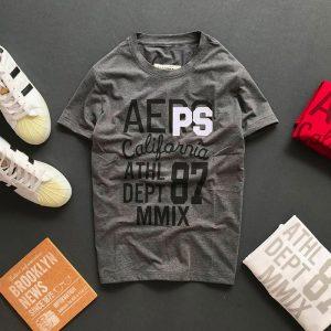 Áo thun nam cổ tròn với dòng chữ Aeps California 87 trước ngực xám