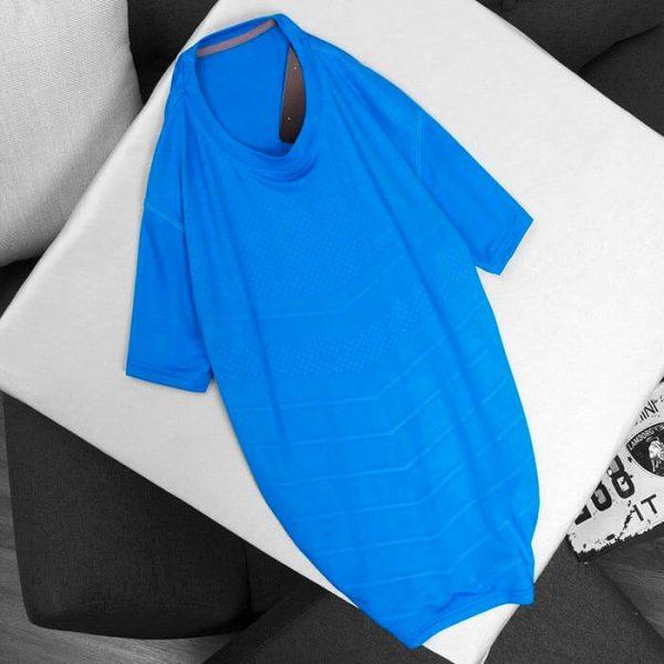 Áo thun thể thao cổ tròn màu xanh biển