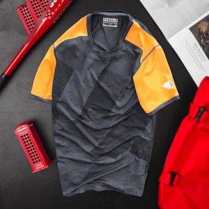 Áo thun nam thể thao cổ tròn màu đen phối tay cam